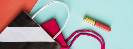 lipgloss: Shopping Bag Lipgloss Concept Stock Photo
