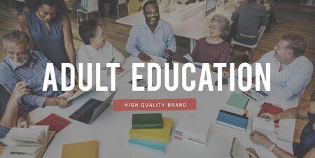 Erwachsenenbildung College-Mitschüler Entwicklungskonzept