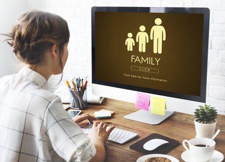 Concepto de relación de unidad familiar de generaciones Foto de archivo