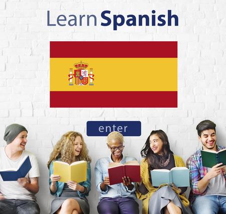 Aprender español Idioma concepto de educación en línea