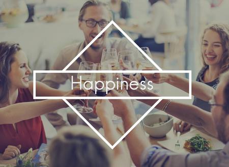 Happy Moments Feel Good Glücklichsein Spaß Freizeit-Konzept Genießen