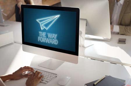 empezar: Lanzamiento de la empresa Misi�n de inicio Begin Misi�n Concepto