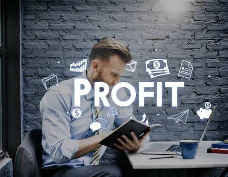 ganancias: Profit Earnings Income Financial Economy Proceeds Concept Foto de archivo