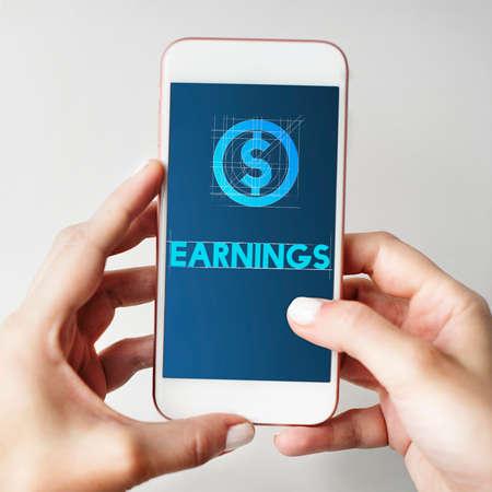 ganancias: Las ganancias Finanzas tecnología del dinero Concepto Gráfico