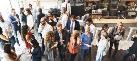 비즈니스 사람들이 회의를 먹는 토론 요리 파티 개념 스톡 콘텐츠