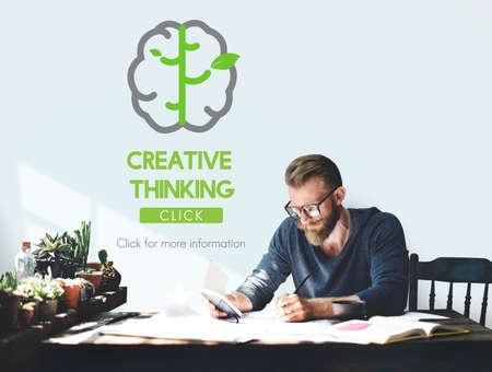 pensamiento creativo: Big Data Pensamiento Crítico Ideas Concept