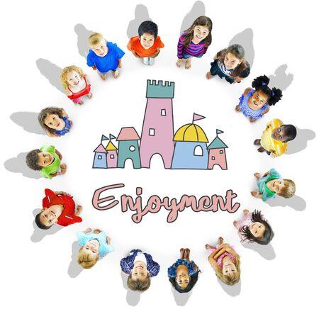 Kinderen genieten van Kasteel Joyful Concept Stockfoto