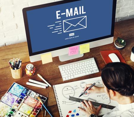 correspondencia: E-mail Correspondence Envelope Icon Concept
