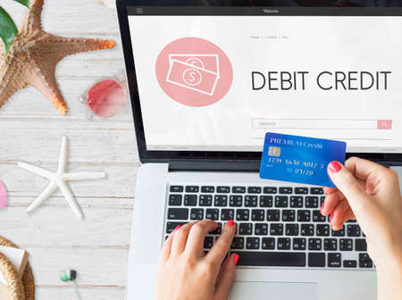 capitalismo: El capitalismo Efectivo Crédito Bancario Ingresos de Concepto