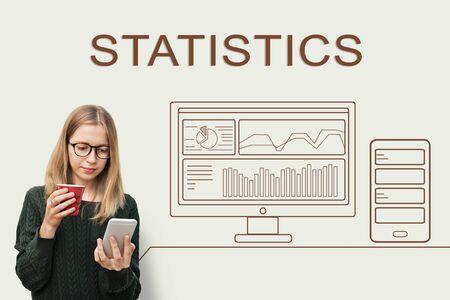 摘要: 統計工作的進展總結分析計算機導論 版權商用圖片