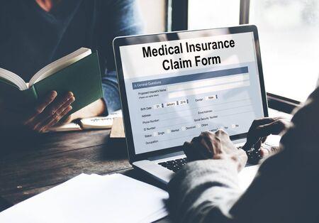 Medical Insurance Claim Form Document Concept 版權商用圖片