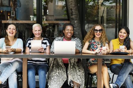 Weiblichkeit Bonding Brunch Cafe Gelegenheits Socialize Konzept