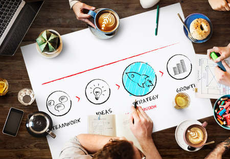 empezar: Comenzar nueva lanzamiento de la empresa Concepto del éxito del crecimiento Foto de archivo