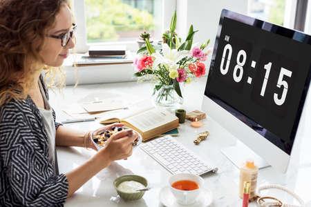 punctual: Hora de la cita Horario Puntual concepto gráfico Foto de archivo
