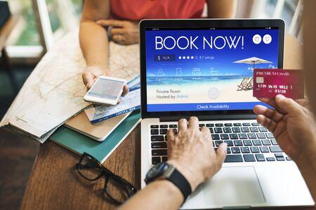 voyage: Réservation Réservation en ligne Ticket Voyage Vol Concept Banque d'images