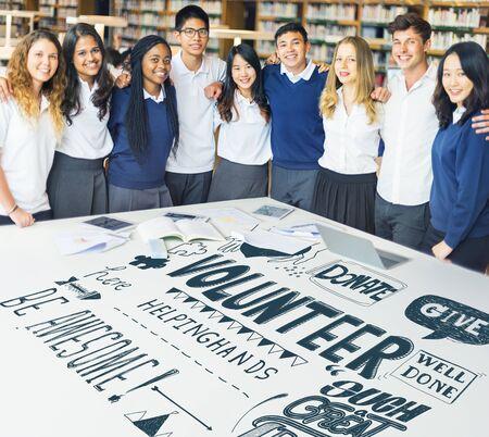 Multiethnic Studenten Social Charity-Konzept Standard-Bild - 63266968