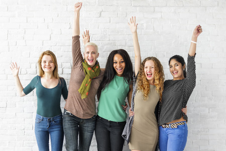 여성 행복 쾌활한 개념의 그룹 스톡 콘텐츠 - 63268624