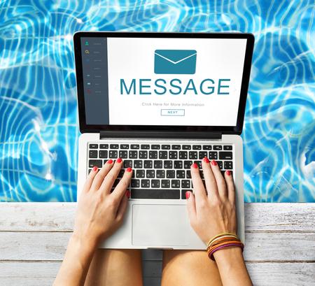 comunicación escrita: Message Contact Envelope Online Technology Concept
