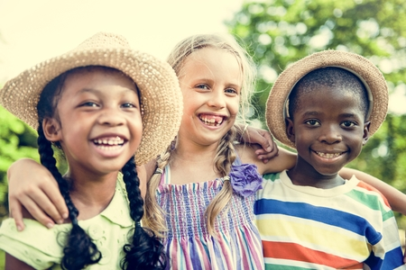 hijos: Child Friends Boys Girls Playful Nature Offspring Concept