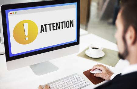 point exclamation: Attention Alert Point d'exclamation Concept Banque d'images