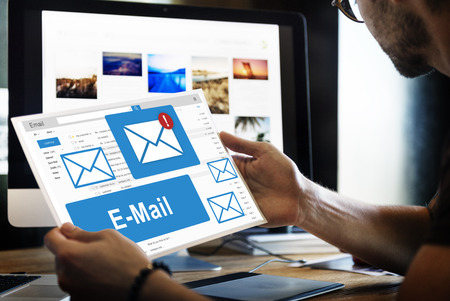 correspondencia: Correspondencia por correo electrónico tecnología de la comunicación Concepto Foto de archivo