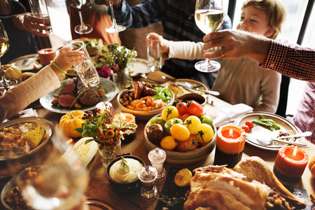 People Cheers Celebrating Thanksgiving Holiday Concept Banque d'images