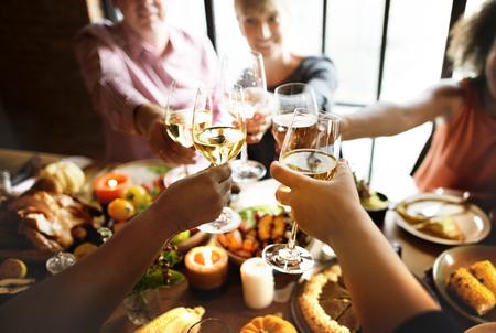 Menschen Beifall feiern Thanksgiving-Urlaub Konzept Standard-Bild