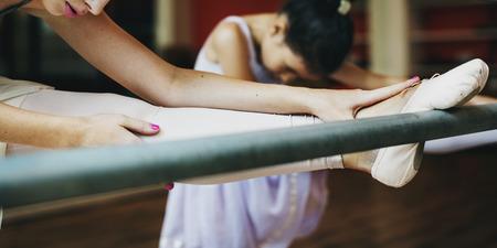 zapatos escolares: Bailarina de la danza del ballet Práctica Concepto Inocencio Foto de archivo