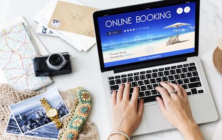 チケット オンライン予約旅行飛行の概念を予約 写真素材 - 64244092