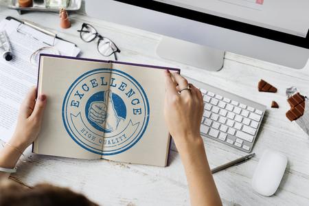 Thumbsup Uitstekende Best Quality Goedkeuring Graphic Concept