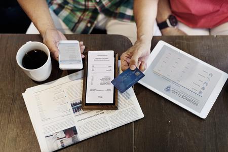 保険支払い請求書クレジット カードの概念 写真素材