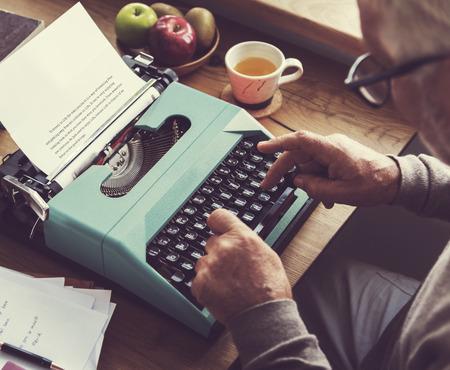 タイプライター文字アルファベット メッセージ概念の作業