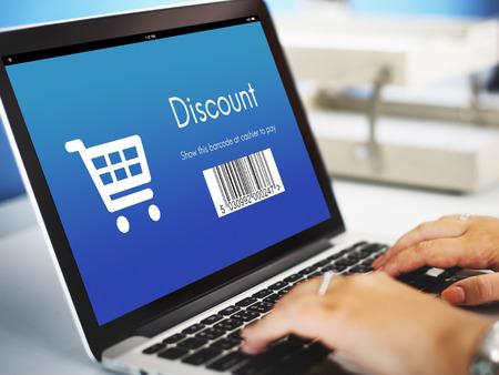 orden de compra: Orden de compra con descuento Concepto de compras Foto de archivo