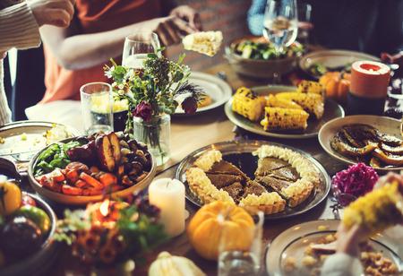 カボチャのパイ デザートお祝い感謝祭休日コンセプト
