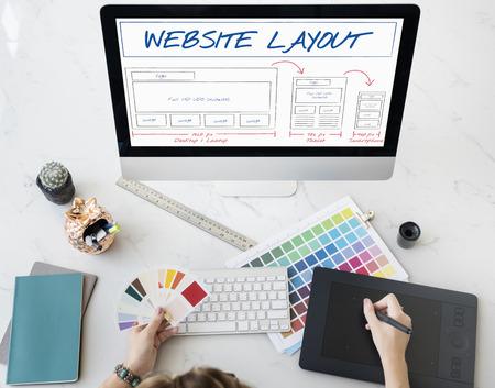 Web レイアウト コンテンツ テンプレート データ デザイン コンセプトをコーディング