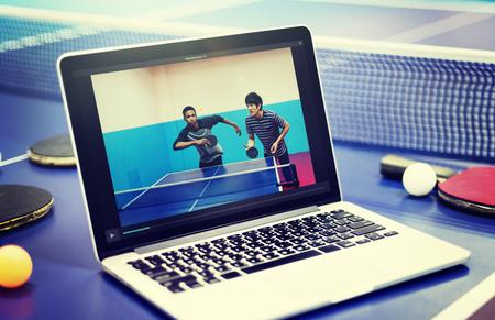 AFICIONADOS: Mesa de ping pong ping-pong Replay Atleta Amateur Concept Foto de archivo