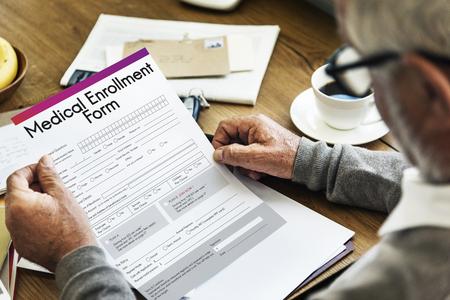의료 등록 양식 문서 메디 케어 개념