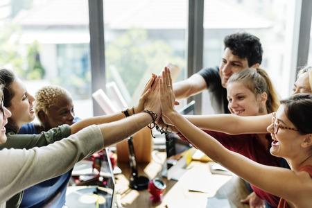 Teamwork Macht succesvolle vergadering werkplekconcept Stockfoto
