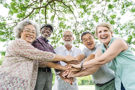 Groupe de hauts Amis de retraite Bonheur Concept
