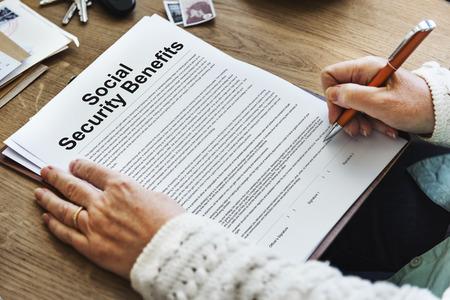 seguridad social: Social Security Benefits Agreement Concept