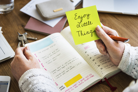 Disfrute de las pequeñas cosas concepto positivo Foto de archivo