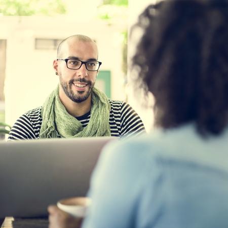 Concepto de reunión de comunicación de equipo de descendencia africana