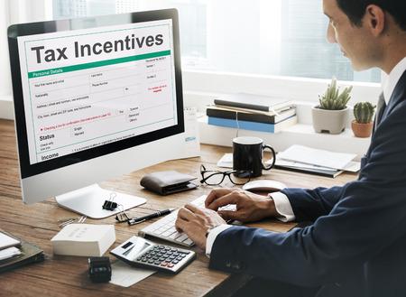 Tax Incentive Concept Audit prestations en espèces paiement de revenu