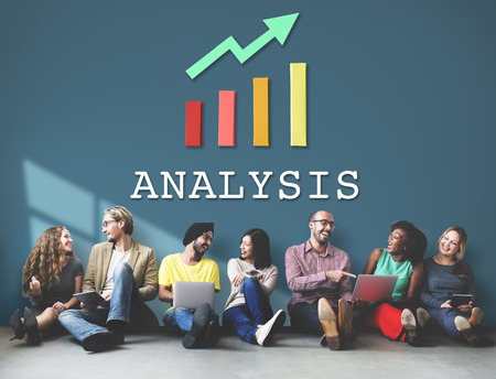Concepto del análisis de Progreso Económico Finanzas Foto de archivo - 65170603