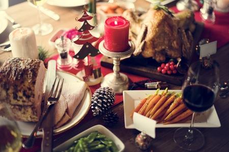 muerdago: Concepto mesa de la familia de la Navidad