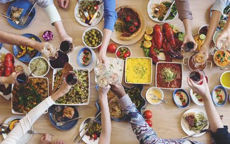 Catering Küche kulinarische Gourmet Buffet-Party Prost Konzept Standard-Bild - 65852119
