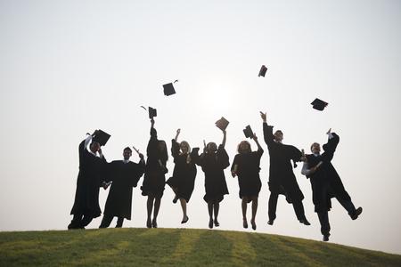 Concepto ceremonia de graduación Jóvenes Estudiantes