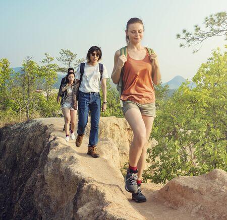 Menschen, Freundschaft, Hangout Reisen Reiseziel Camping Konzept