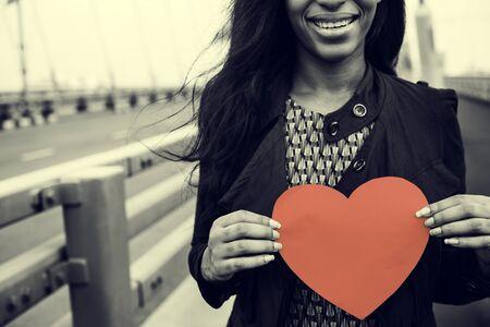 Afrikaanse Vrouw Die Hartvorm Love Concept