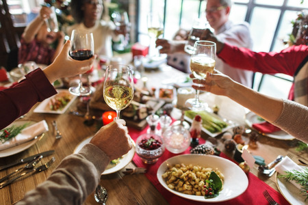 Familie zusammen Christmas Celebration Konzept Standard-Bild - 68382129